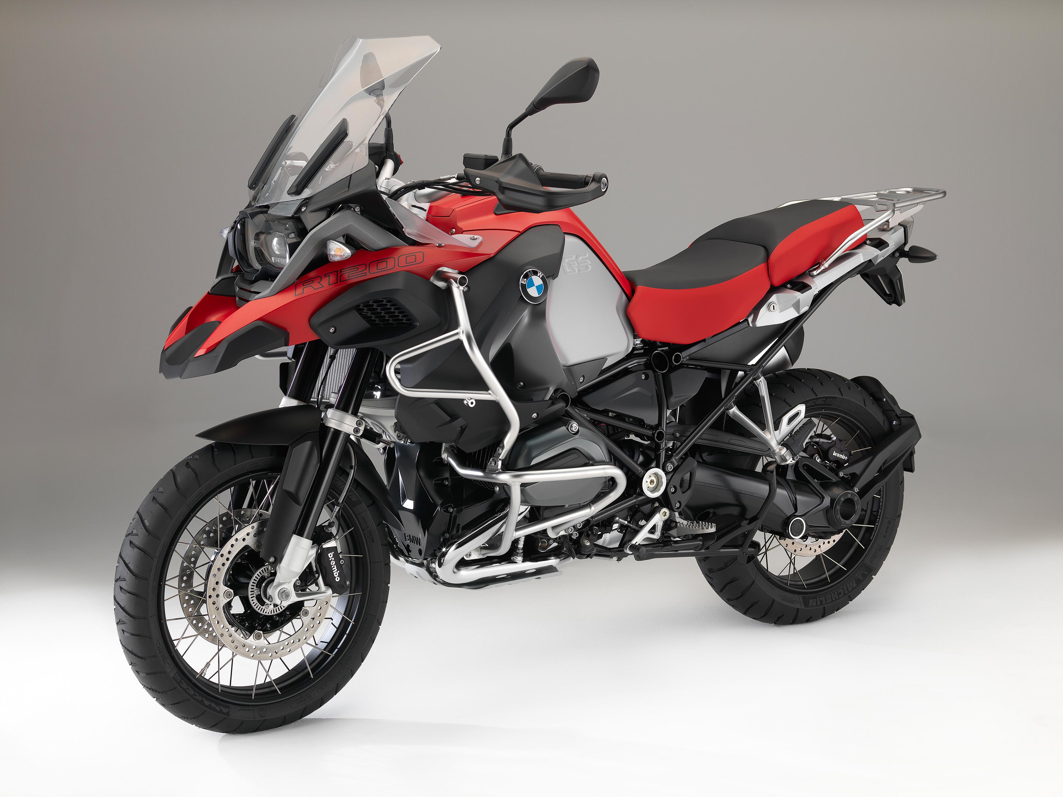 actu moto challenge one agen evolutions nouveautes 2016 couleurs bmw motorrad. Black Bedroom Furniture Sets. Home Design Ideas