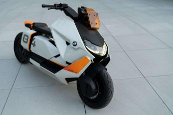 "BMW Motorrad Concept ""Definition CE 04""  challenge one agen"