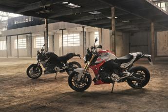 f 900 r + s 900 xr  challenge one agen bmw motorrad france