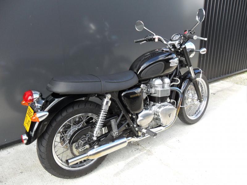 motos d 39 occasion challenge one agen triumph bonneville carburateurs mecatwin 2003. Black Bedroom Furniture Sets. Home Design Ideas