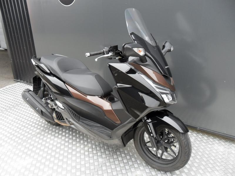motos d 39 occasion challenge one agen honda scooter 125 forza abs 2015. Black Bedroom Furniture Sets. Home Design Ideas