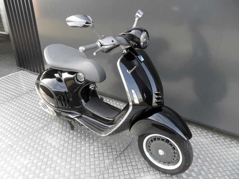 motos d 39 occasion challenge one agen piaggio vespa serie 946 125 collector. Black Bedroom Furniture Sets. Home Design Ideas