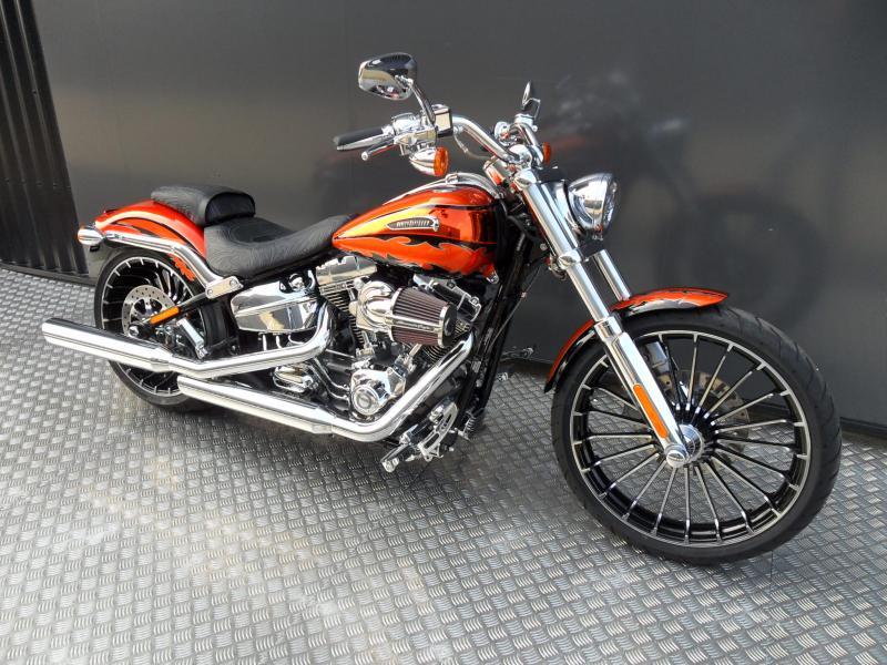 motos d 39 occasion challenge one agen harley davidson breakout cvo 110 ci 2014 779 kms. Black Bedroom Furniture Sets. Home Design Ideas