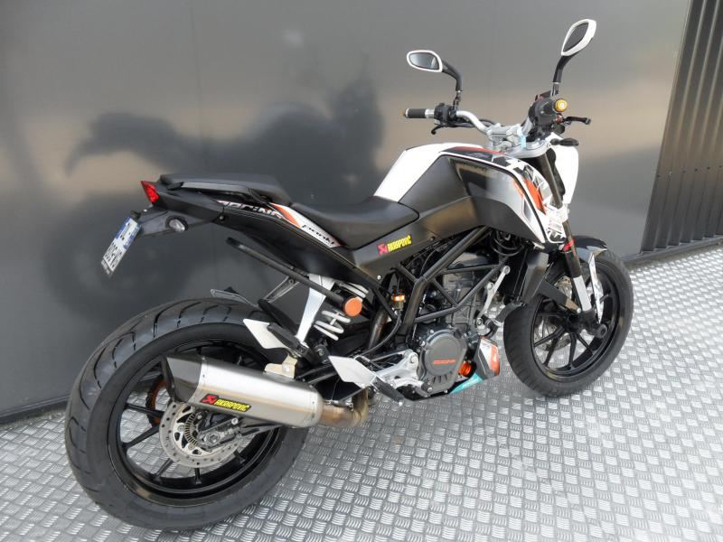 motos d 39 occasion challenge one agen ktm 125 duke abs 11 2014 akrapovic. Black Bedroom Furniture Sets. Home Design Ideas