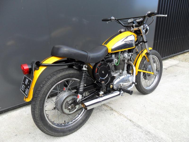 motos d 39 occasion challenge one agen ducati 250 scrambler 1970. Black Bedroom Furniture Sets. Home Design Ideas