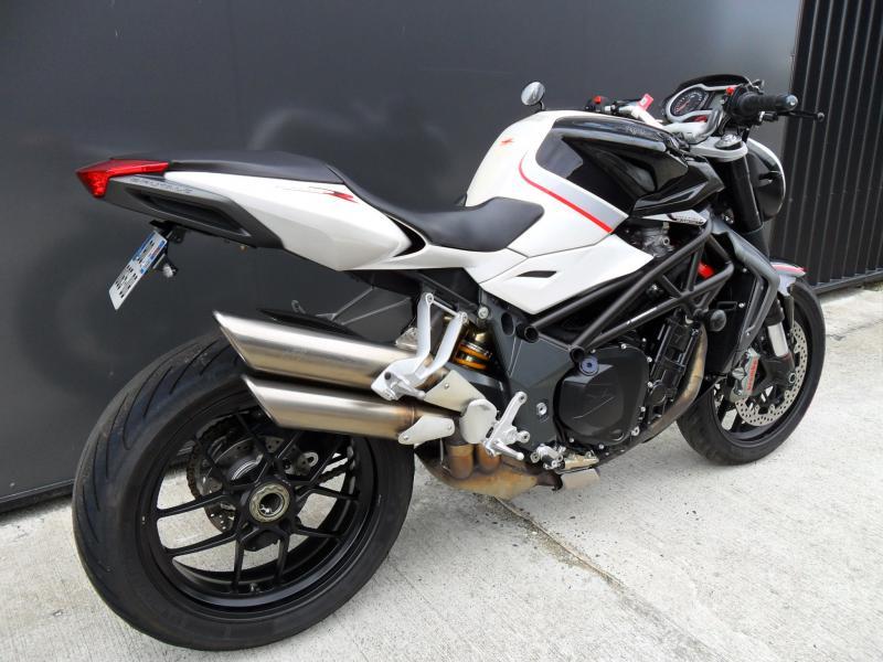 motos d 39 occasion challenge one agen mv agusta brutale 1090 rr 2011 motopole. Black Bedroom Furniture Sets. Home Design Ideas