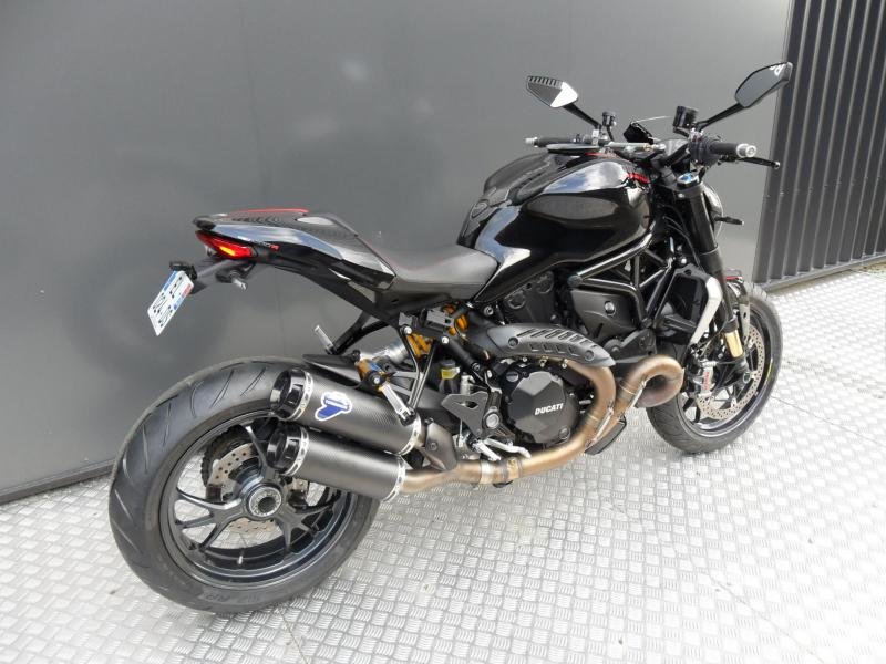 motos d 39 occasion challenge one agen ducati monster 1200 r 2017 kit performance. Black Bedroom Furniture Sets. Home Design Ideas
