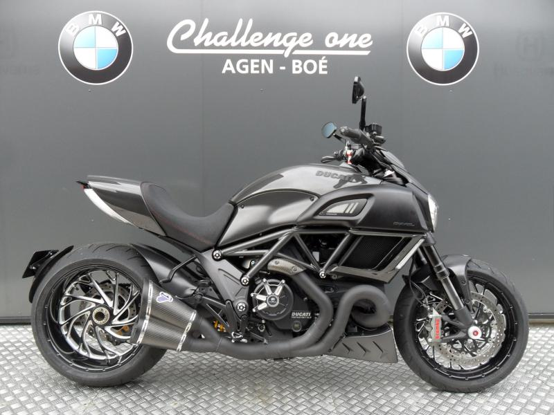 motos d 39 occasion challenge one agen ducati diavel dark carbone accessoires 2017 etat neuf. Black Bedroom Furniture Sets. Home Design Ideas